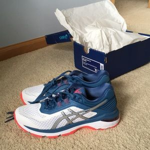 ASICS NWOT GT 2000 Running Shoes
